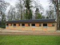 5 x Standard stables in a line all with full height OSB kickboards.